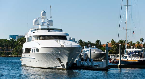 Yachts at the dock in Fort Lauderale Florida for Yacht Crew